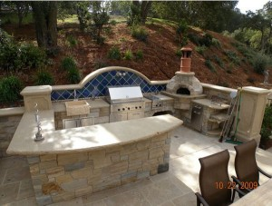 http://cdn.homedit.com/wp-content/uploads/2014/02/stone-outdoor-kitchen-design.jpg